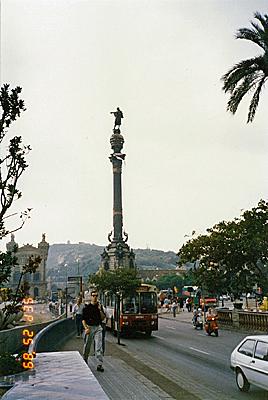 コロンブスの塔 Monumento a Colon