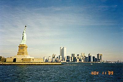リバティ島とマンハッタン Liberty Island & Manhattan
